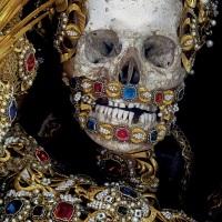 Les squelettes bling bling du chercheur fou Paul Koudounaris