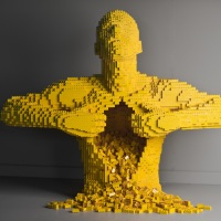 Invasion de Legos avec NATHAN SAWAYA
